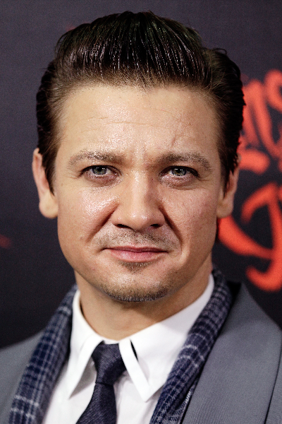 jeremy-renner-arrives-at-the-australian-premiere-of-hansel-gretel-witch-hunters-at-event-cinemas-on-january-29-2013-in-sydney-australia-photo-by-brendon-thornegetty-images-for-paramount-pictures
