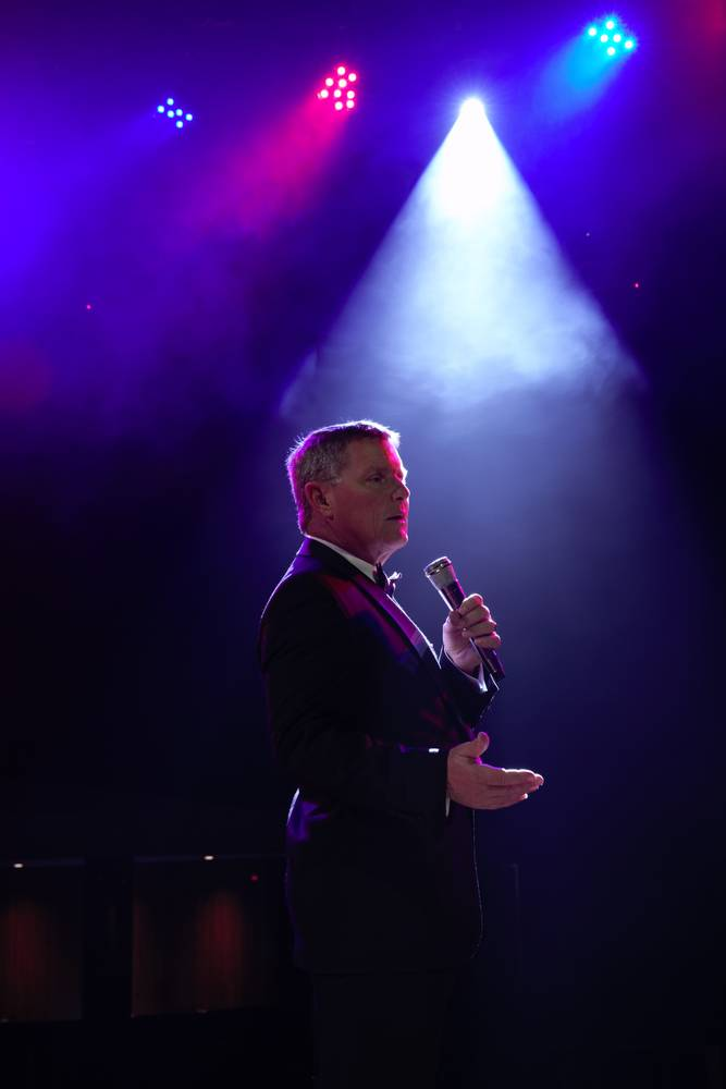 FROM THE COPA ROOM TO QPAC TOM BURLINSON PERFORMS SINATRA AT THE SANDS