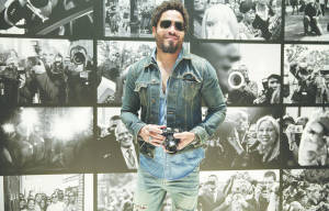 LENNY KRAVITZ OPENS HIS FIRST PHOTO EXHIBITION AT THE LEICA GALLERY WETZLAR