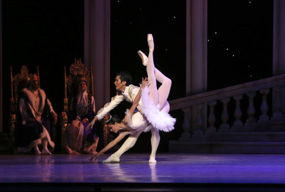 Queensland Ballet - The Sleeping Beauty - Principal Dancers Hao Bin and Yanela Pinera. Photo David Kelly