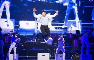 Hugh Jackman's :BROADWAY TO OZ BEGINS IN MELBOURNE TONIGHT