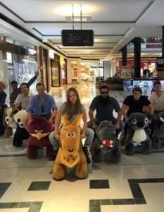 Kong: Skull Island Stars Having Fun On Gold Coast With Animal Scooters
