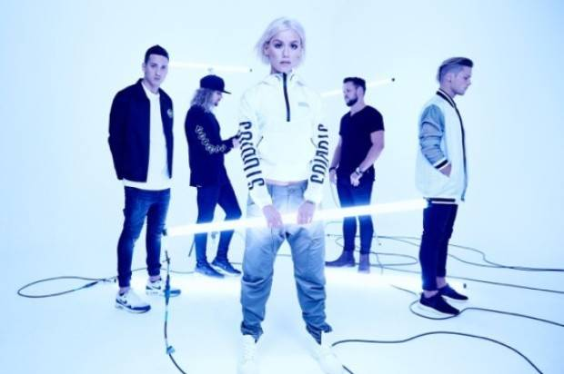 TONIGHT ALIVE NEW ALBUM #1 ON ITUNES ALBUM CHART