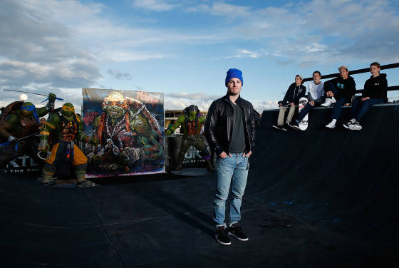 Will Arnett & Stephen Amell Teenage Mutant Ninja Turtles Photo Call