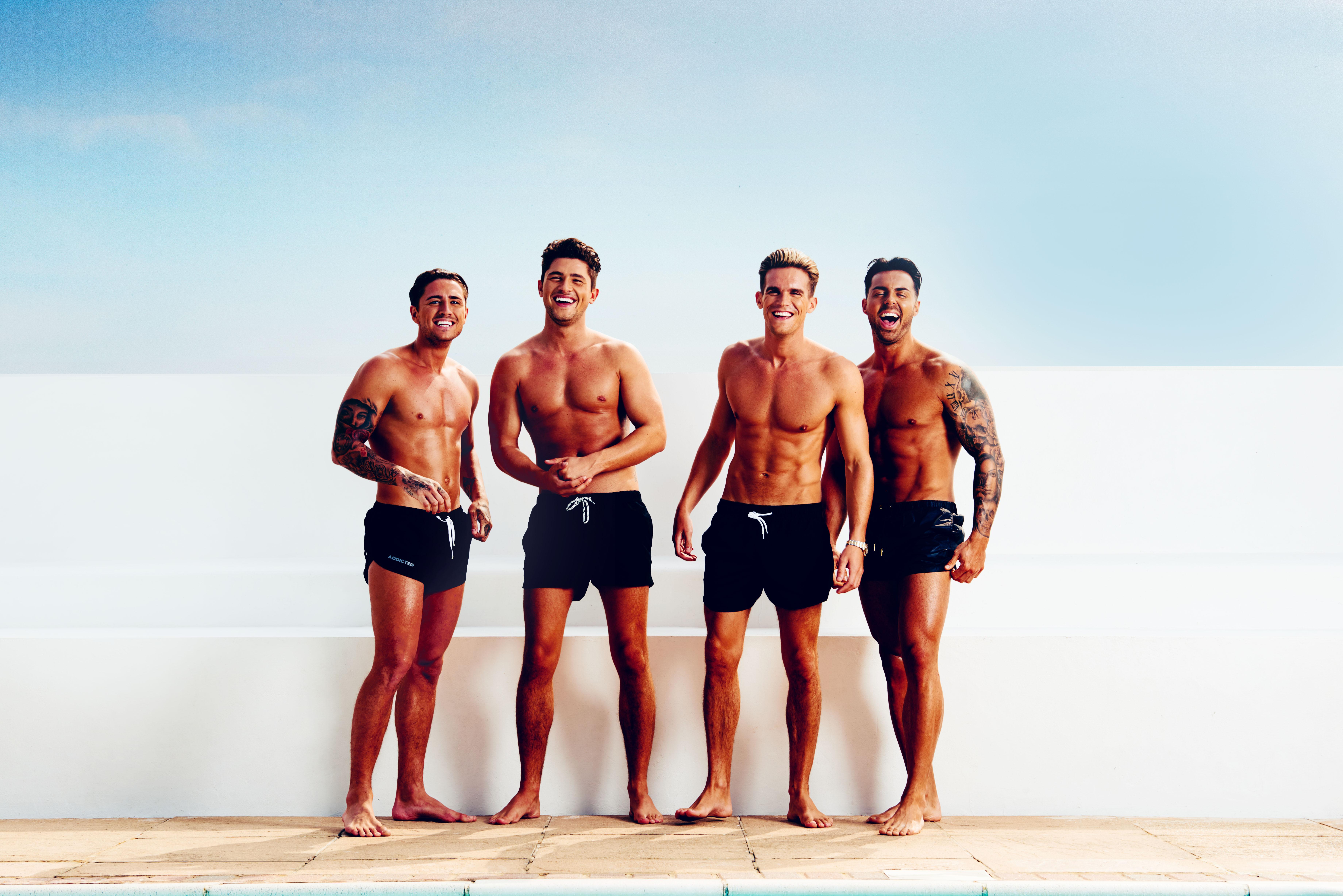 Nudeboys on the beach hentai pic