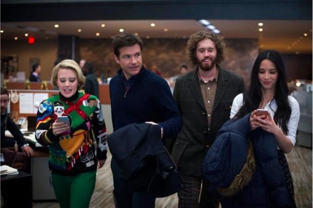 JASON BATEMAN IS HAVING AN OFFICE CHRISTMAS PARTY