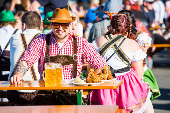 oktoberfest-brisbane-day-solo-beer-pork-knuckle-indulgence_sml
