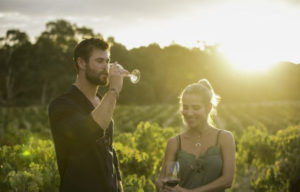CHRIS HEMSWORTH AND WIFE ELSA  HAVE BIG CHEERS  AT JACOB'S CREEK