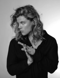 ARIA Award-winning singer Conrad Sewell Free Performance TV Week Stars In The Pa...