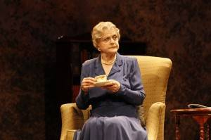 Angela Lansbury in DRIVING MISS DAISY (c) Jeff Busby