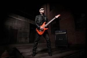 Joe Satriani Press Shot med res