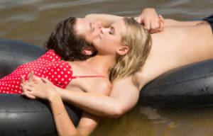 CINEMA RELEASE: ENDLESS LOVE