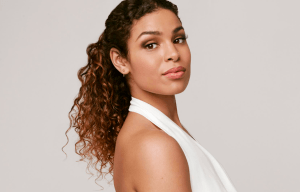 JORDIN SPARKS PREMIERES OFFICIAL VIDEO TO 'RIGHT HERE RIGHT NOW'
