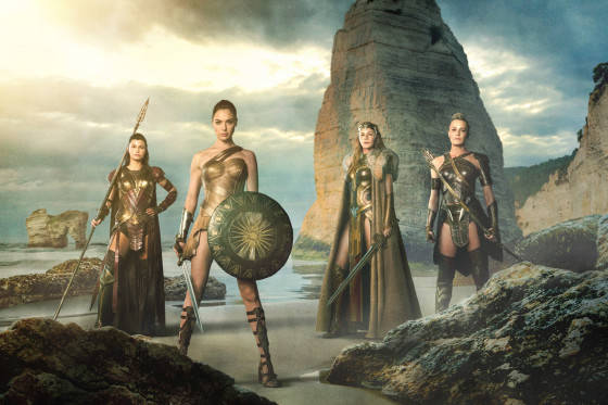 FIRST PHOTO RELEASE OF WONDER WOMEN