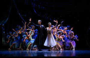 On Centre Stage : A Midsummer Night's Dream