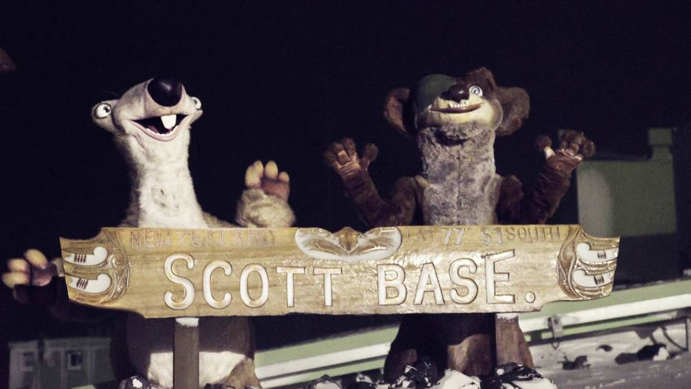 ICE AGE CHARACTERS EXPERIENCE WINTER IN ANTARCTICA