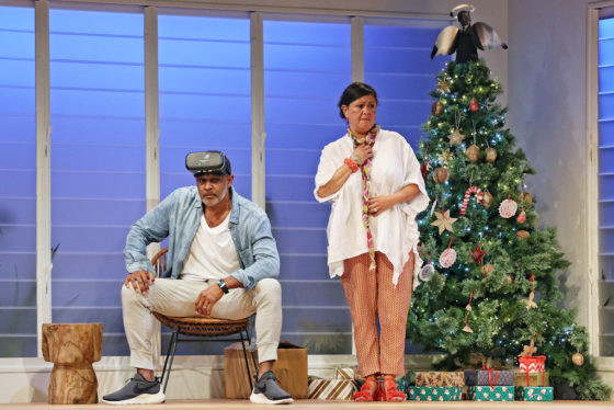 ON CENTRE STAGE REVIEW OF BLACK IS THE NEW WHITE