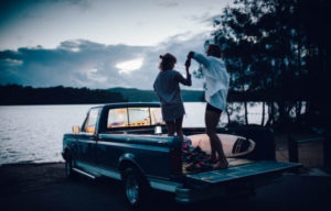 DEAN LEWIS RELEASES FAN FAVOURITE SINGLE & VIDEO 'CHEMICALS' + SUPPORTING SIGRID IN THE US