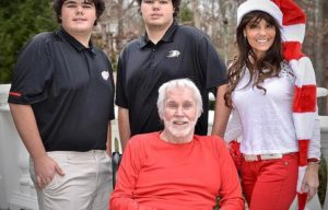 COUNTRY SINGER KENNY RODGERS DIES AT 81