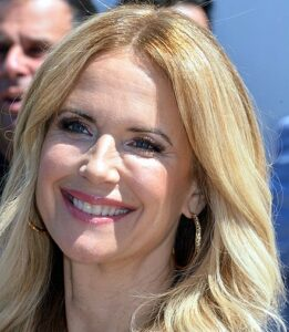 ACTRESS KELLY PRESTON DIES OF CANCER